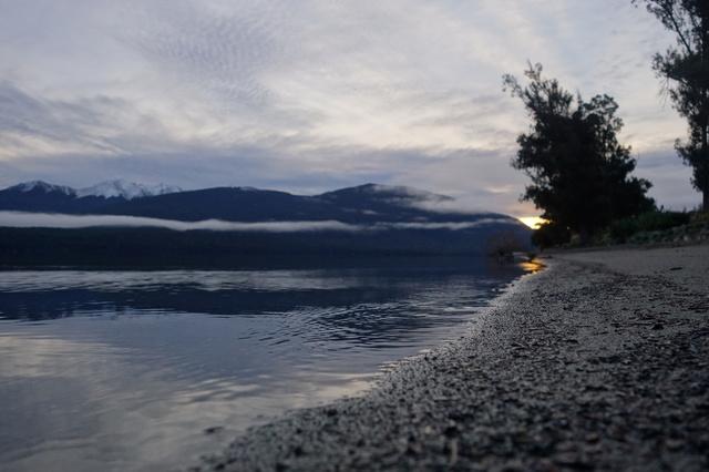 ニュージーランドの湖.JPG